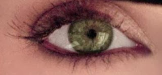 Julianne's eye