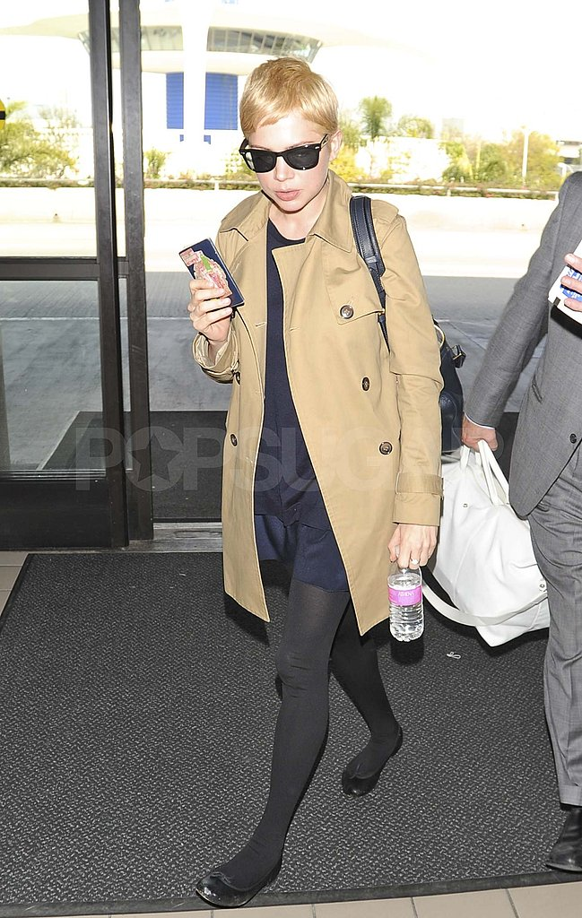 Pictures-Michelle-Williams-Departing-Out-LAX