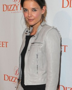 katie_holmes_stunning_silver_leather_jacket-1
