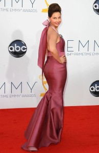 ashley-judd-64th-annual-primetime-emmy-awards-04