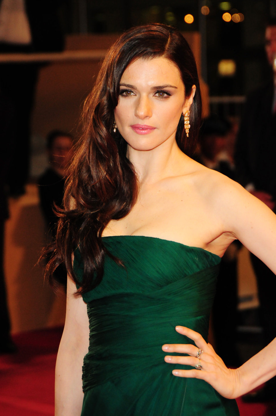 dynamic winter rachel weisz in green