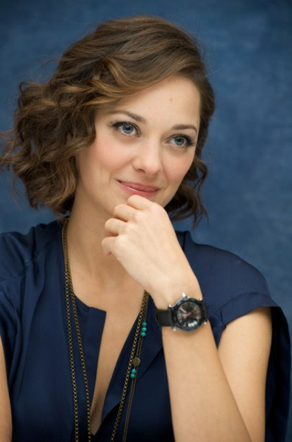 soft winter marion cotillard in blue2